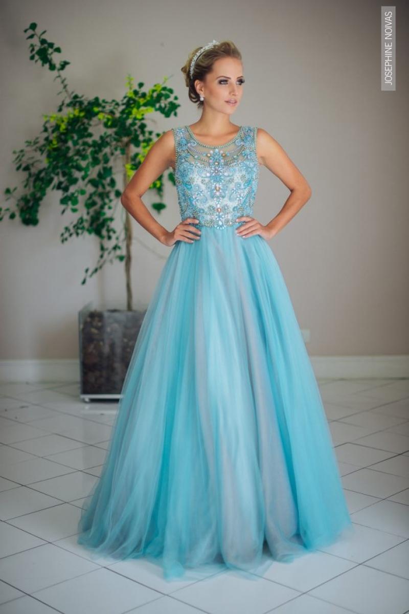 Vestido de Debutante –  Azul Tiffany com corpo bordado