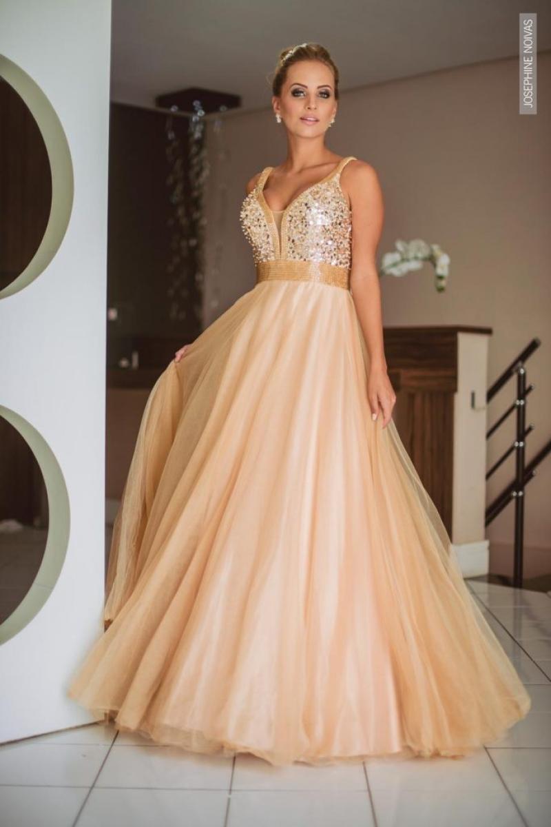 Vestido de Debutante – dourado com corpo bordado