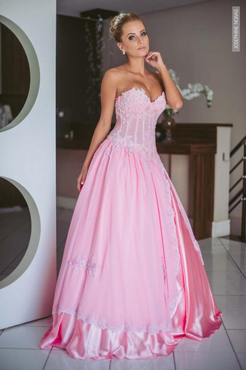Vestido de Debutante –  várias saia na cor rosa bebê