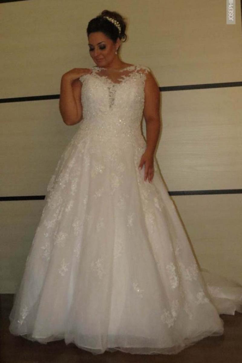 Vestido de Noiva – Corte Princesa Com transparência