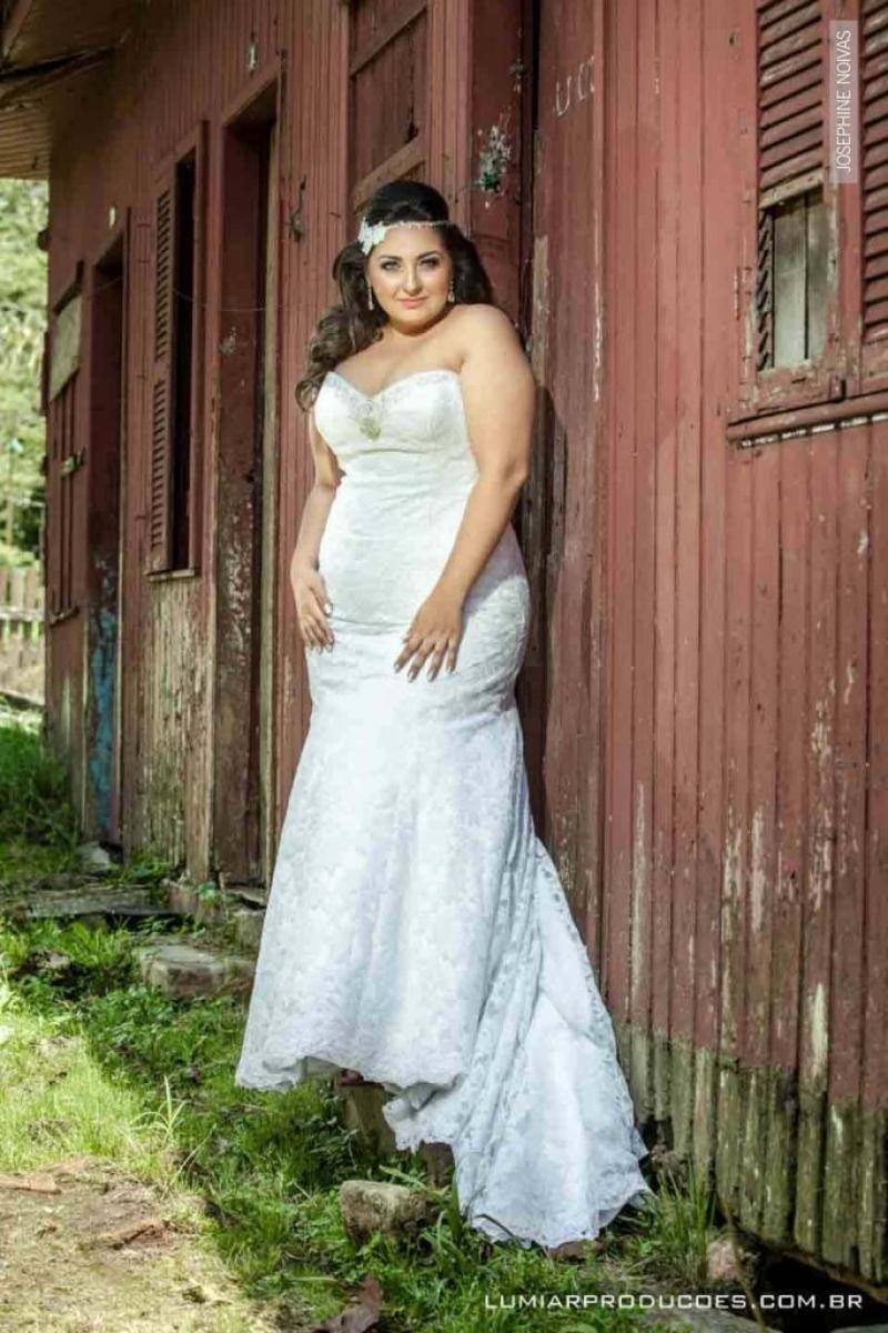 Vestido de Noiva – Corte Semi Sereia e tomara que caia
