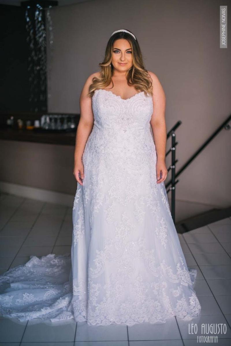 Vestido de Noiva Plu Size Corte A Tomara que Caia