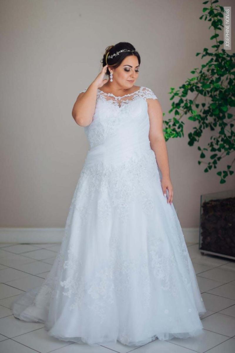 Vestido de Noiva Plus Size – Corte Evasê