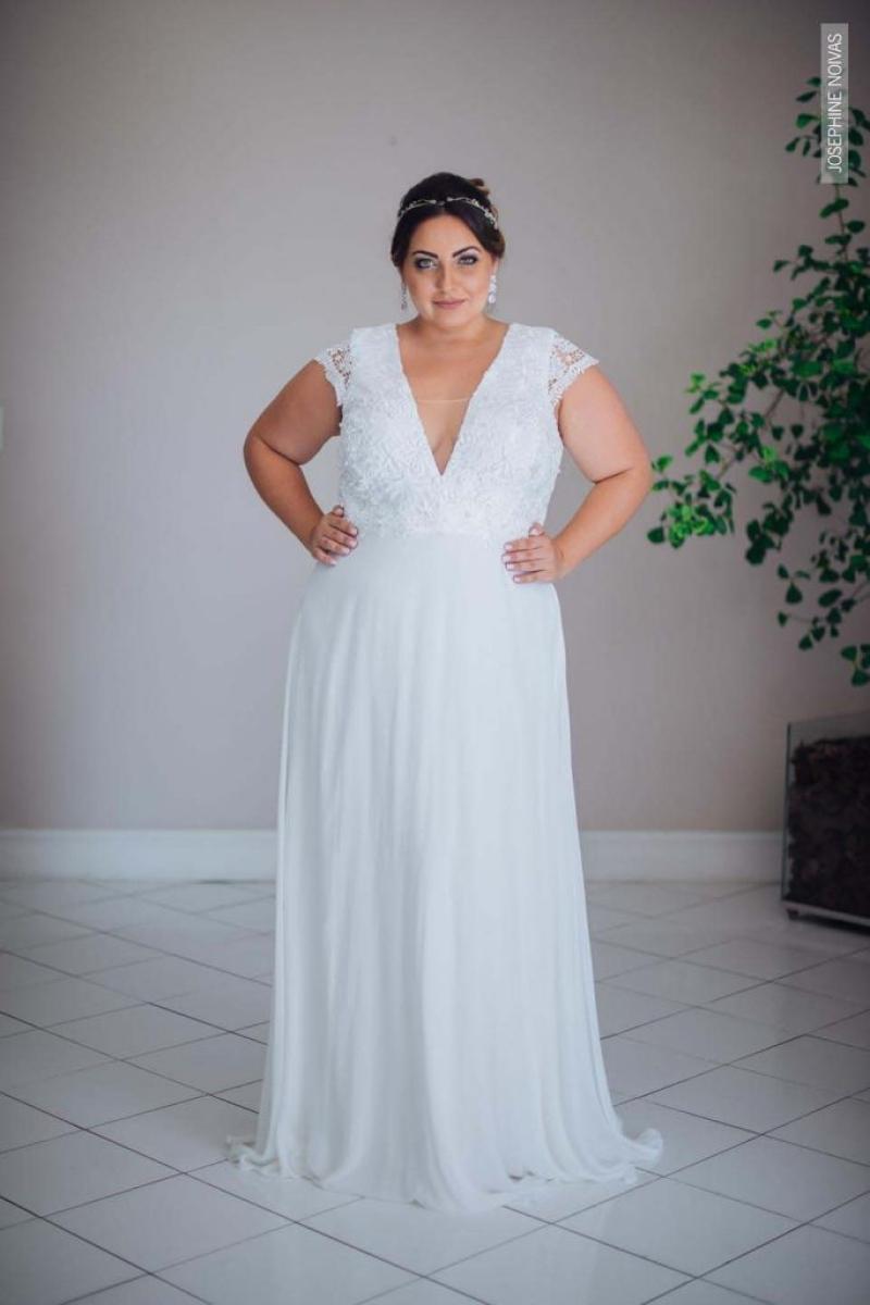 Vestido de Noiva Plus Size – Corte Reto