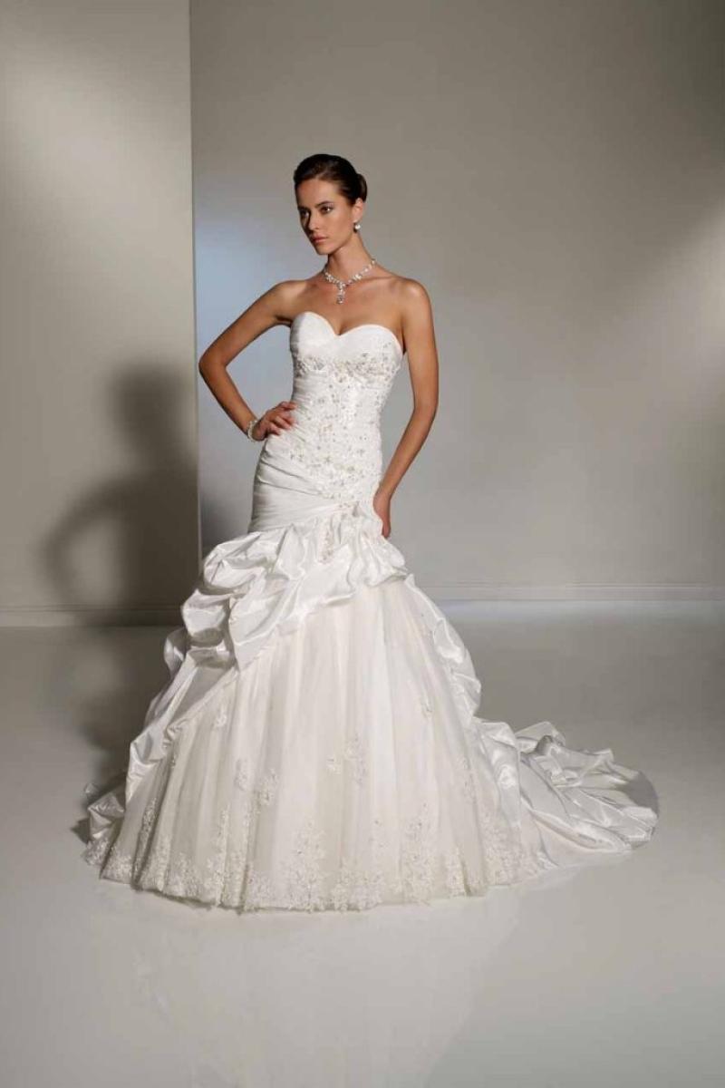 Vestido de Noiva Semi Sereia com saia de babados