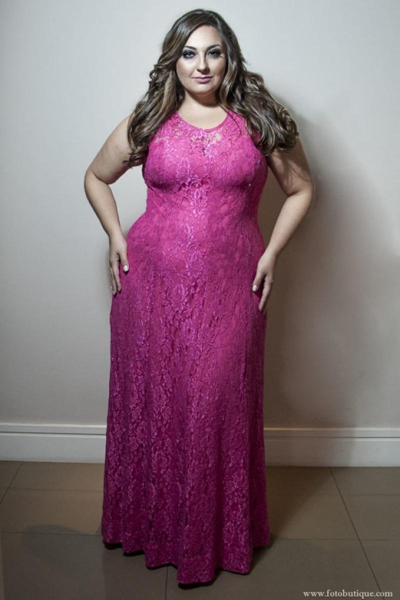 Vestido de Festa Plus Size – Rosa de Rendas
