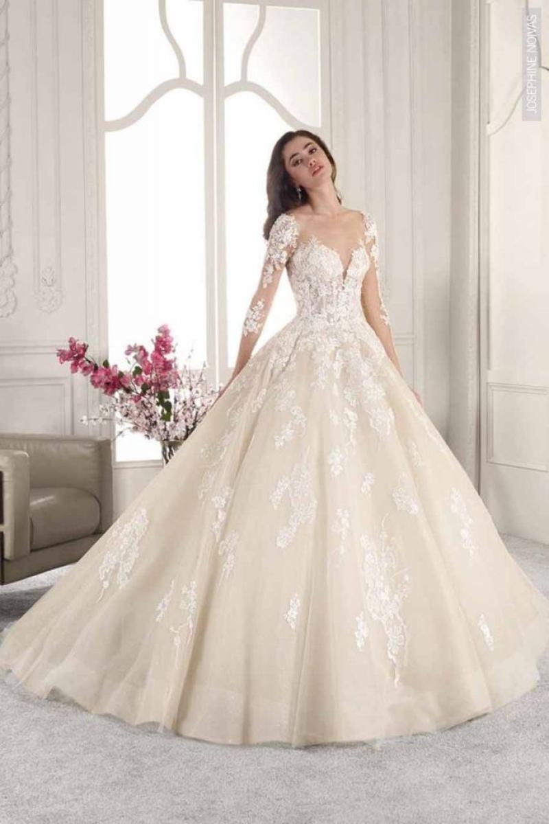 Vestido de Noiva – Princesa com mangas de rendas e transparência