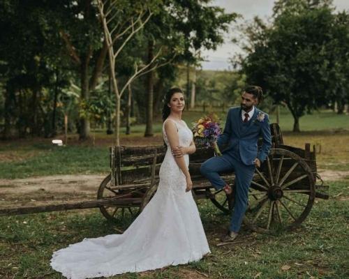 Carol & Paulinho | Casamento ao ar livre marcado por emoção, estilo e extremo bom gosto
