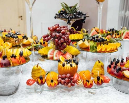 4 dicas de como as frutas podem brilhar no menu do seu casamento
