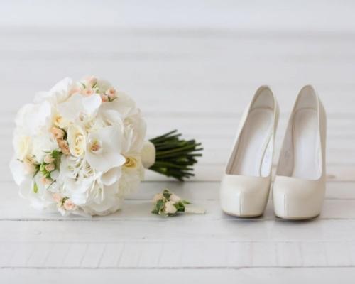 Qual é o sapato de noiva ideal?
