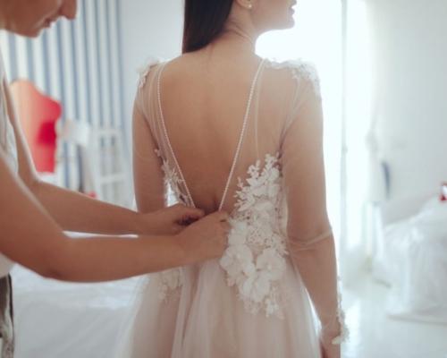 'Com que roupa eu vou?' Saiba como escolher o vestido ideal para o seu casamento!