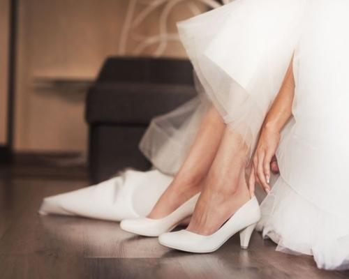 O que levar em consideração na hora de escolher o sapato da noiva? Conforto, estilo, vamos descobrir?