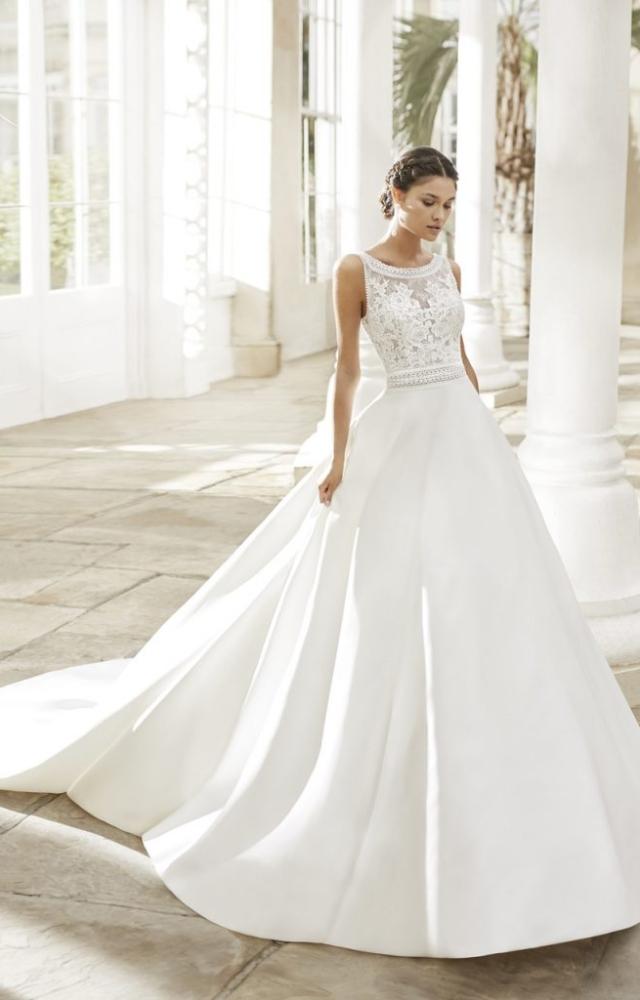 Vestido de Noiva com renda floral –  TIARA, Rosa Clará