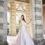 Vestido de Noiva - Evasê com decote e abertura nas costas